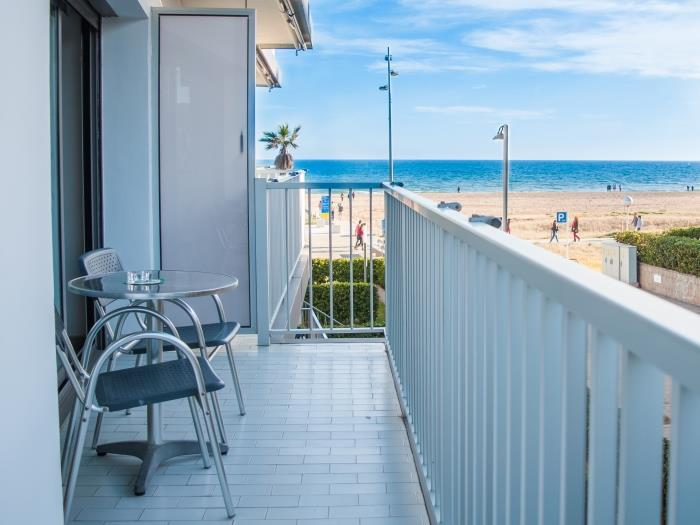 apartment with panoramic side sea view - castelldefels