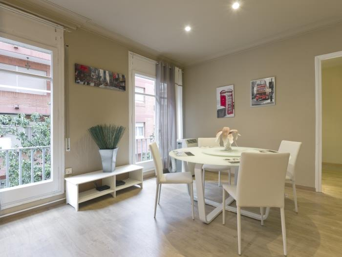 lovely and spacious flat in poble sec - barcelona