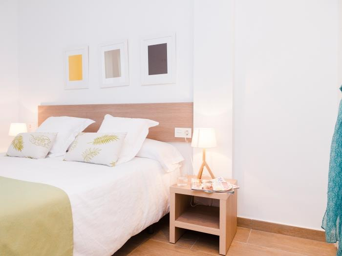 plaza 2 habitaciones dobles - barcelona