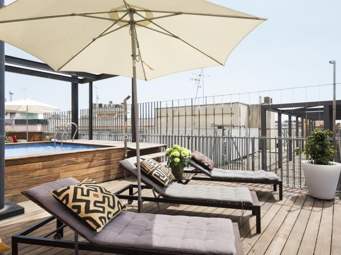 swimming pool apartment in the born for 8 - barcelona