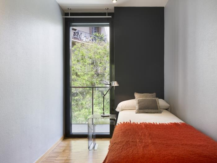 executive corporate apartment in barcelona for 6 - barcelona