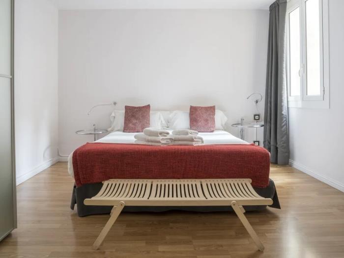 apartament de 3 habitacions amb balcó - barcelona