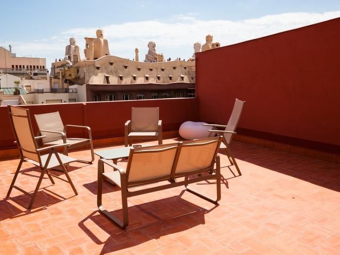 àtic de 3 habitacions amb terrassa - barcelona