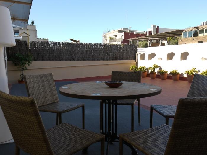 àtic de 2 habitacions amb terrassa - barcelona