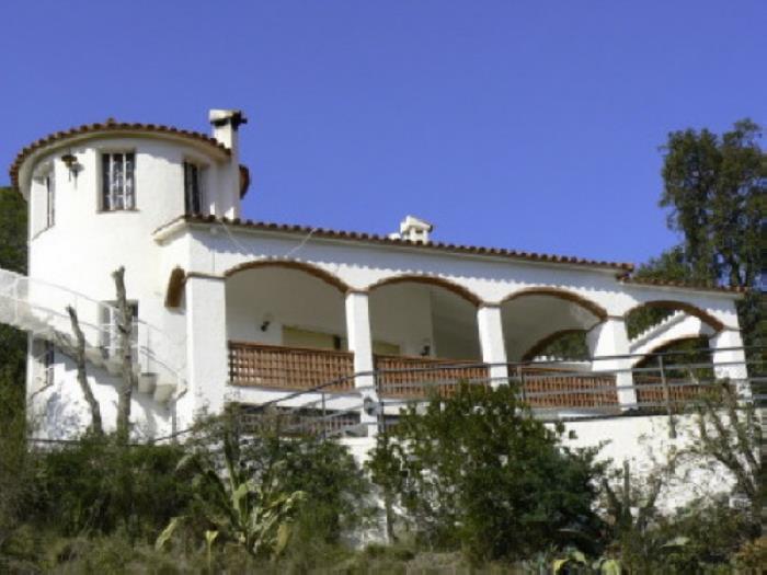 Casa en begur casa 223 con piscina privada begur for Apartamentos con piscina privada