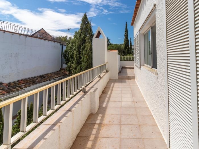 055 LA FARELLA / HUTG 008479