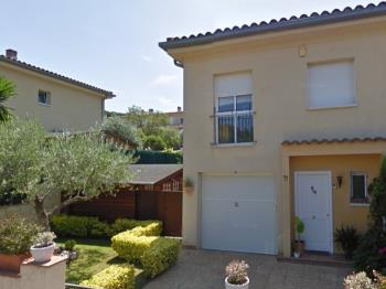 H23071 Casa amb Piscina SFG