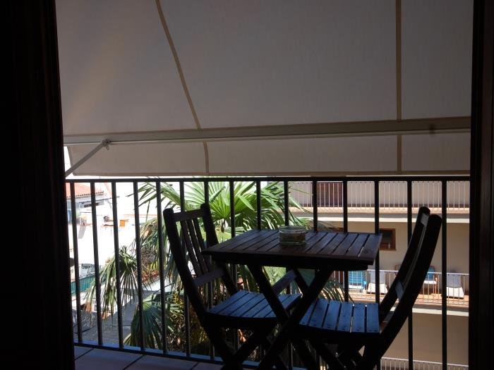 centric apartment with pool - tossa de mar