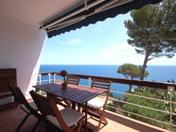 apartment BIG HOUSE WITH PANORAMIC VIEWS in CALA SALIONS Tossa de Mar