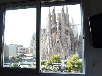 AP.GAUDISNEST GN-6 - Barcelona