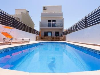 BEAUTIFUL FAMILY HOUSE WITH SWIMING-POOL, BBQ, WIFI AND AIR-11 SETEMBRE - Apartment in L'Ametlla de Mar