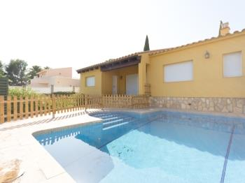 FAMILY PRIVATE VILLA WITH SWIMING-POOL, BBQ AND WIFI_TORD I - Apartment in L'Ametlla de Mar