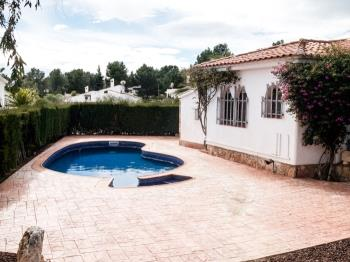 BIG 850M2 FAMILY HOUSE WITH SWIMING-POOL, BBQ AND WIFI_AVINGUDA MAR - Apartment in L'Ametlla de Mar