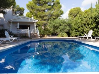 HUGE HOUSE WITH GARDEN, SWMING-POOL,BEACH AT 150M,BBQ AND WIFI_VIRGEN CINTA - Apartment in L'Ametlla de mar
