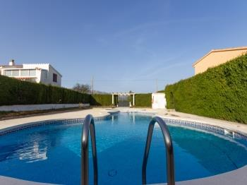 FAMILY HOUSE WITH GARDEN, SWIMING-POOL AND BBQ_TOFIÑO - Apartment in L'Ametlla de Mar