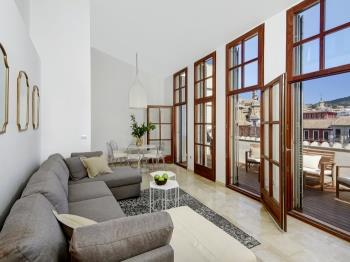 Bib Rambla Penthouse over cathedral