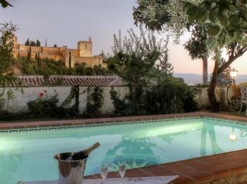 2.5 Million Villa.Private pool over Alhambra