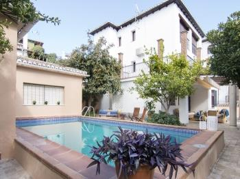 Exclusive 4BR Villa.Private pool over Alhambra