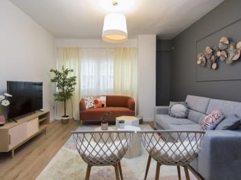 Modern Elegant 3 BDR Central Apartment I