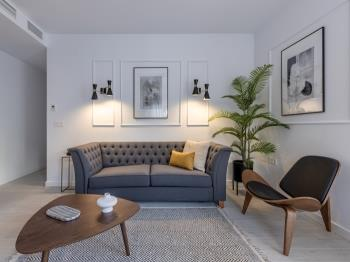 Central Stylish and Elegant 2BR Apartment III