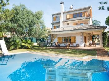 Villa Creixell with pool - Apartment in Creixell